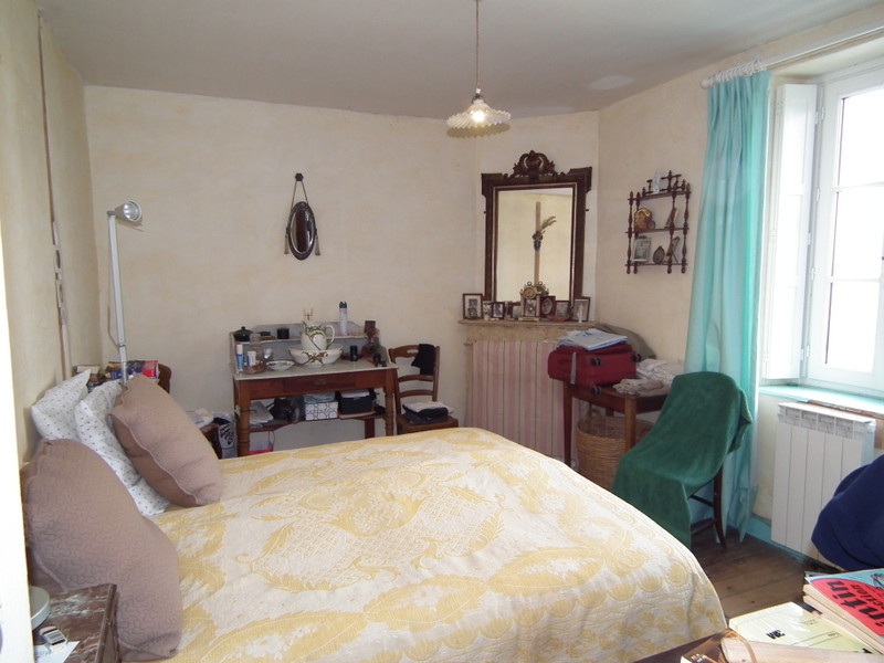 French property for sale in Auzances, Creuse - €99,000 - photo 10