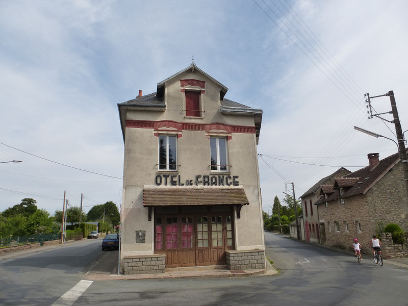 French property for sale in Dun-le-Palestel, Creuse - €88,000 - photo 2