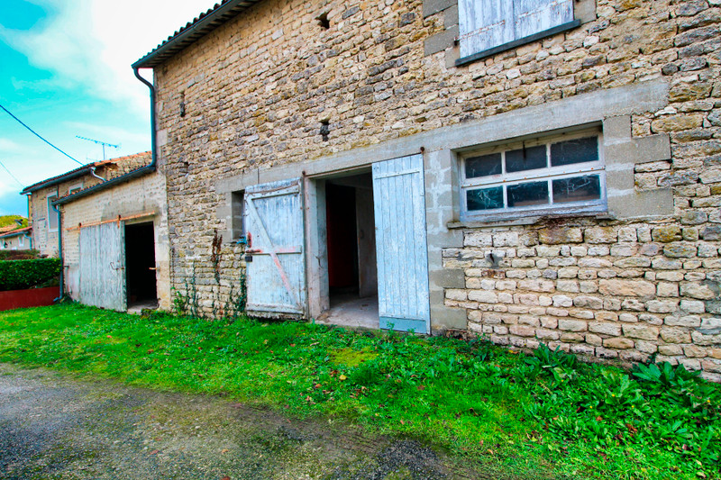 French property for sale in Rouillac, Charente - €45,000 - photo 10