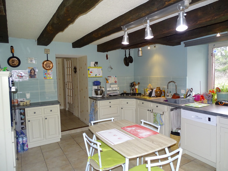 French property for sale in Cubjac, Dordogne - €265,000 - photo 5