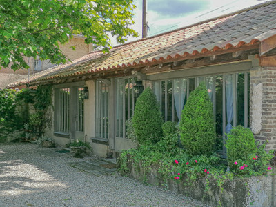 Charming 6 bedroom residence In Anthon Isere for sale