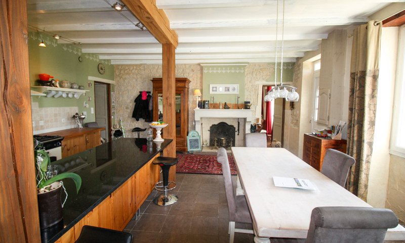 French property for sale in Saint-Jean-d'Angély, Charente Maritime - €297,460 - photo 4
