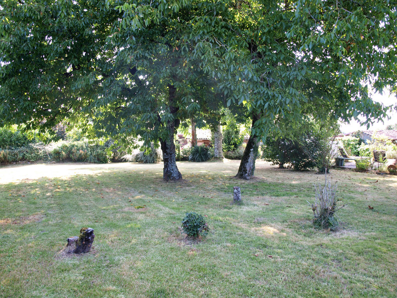 French property for sale in Chaunay, Vienne - €224,700 - photo 3