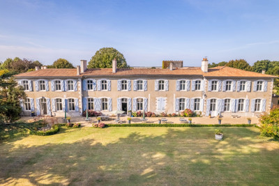 chateauin Royan