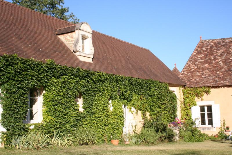 French property for sale in Douville, Dordogne - €527,500 - photo 2