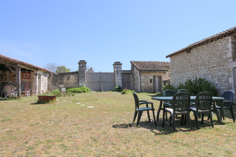 French property for sale in La Tour-Saint-Gelin, Indre-et-Loire - €236,250 - photo 9