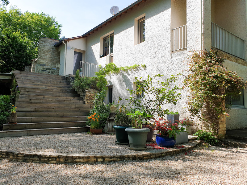 French property for sale in Cubjac, Dordogne - €300,670 - photo 2