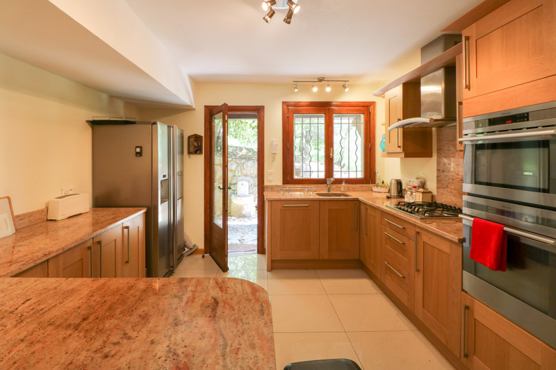 French property for sale in Le Tignet, Alpes Maritimes - €900,000 - photo 5