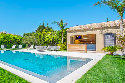 Saint Tropez, Califorian town villa in heart of ST Tropez with 5 bedrooms