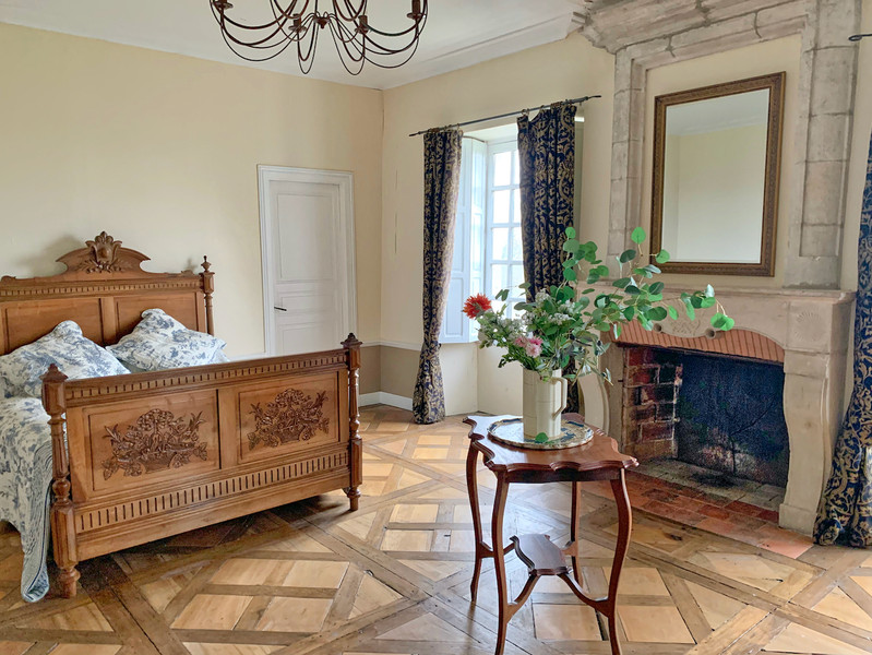 French property for sale in Bardenac, Charente - €1,059,000 - photo 7