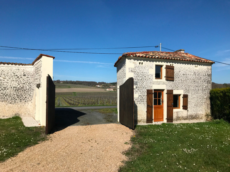 French property for sale in Segonzac, Charente - €349,800 - photo 8