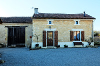 French property, houses and homes for sale inSaint-CoutantCharente Poitou_Charentes