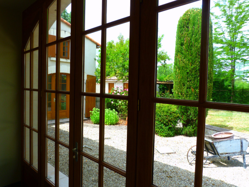 French property for sale in Vanzac, Charente-Maritime - €348,740 - photo 5