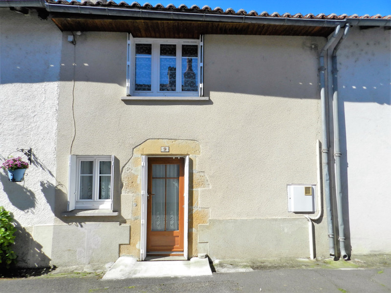 French property for sale in Availles-Limouzine, Vienne - €66,000 - photo 2