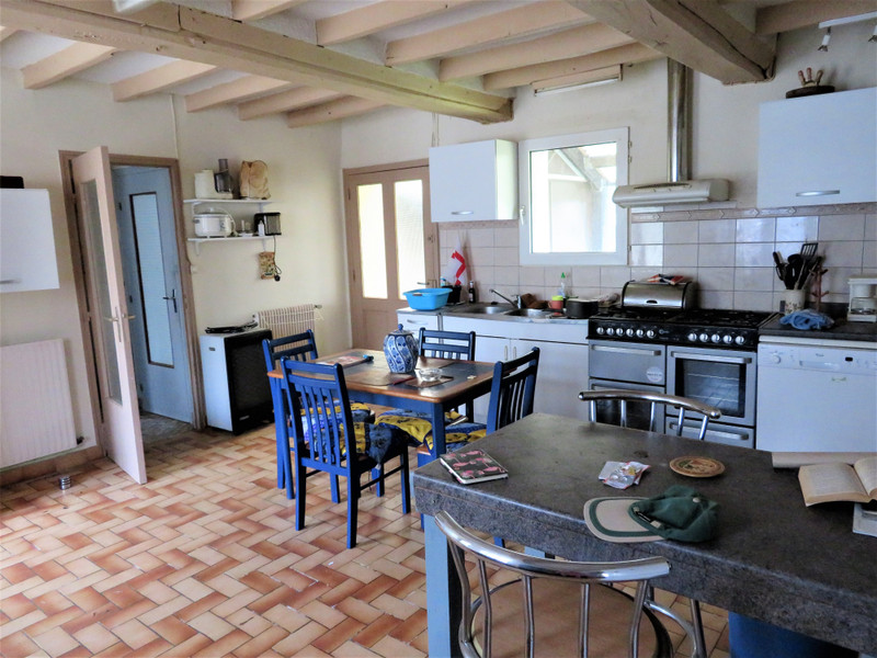 French property for sale in Carelles, Mayenne - €43,600 - photo 3