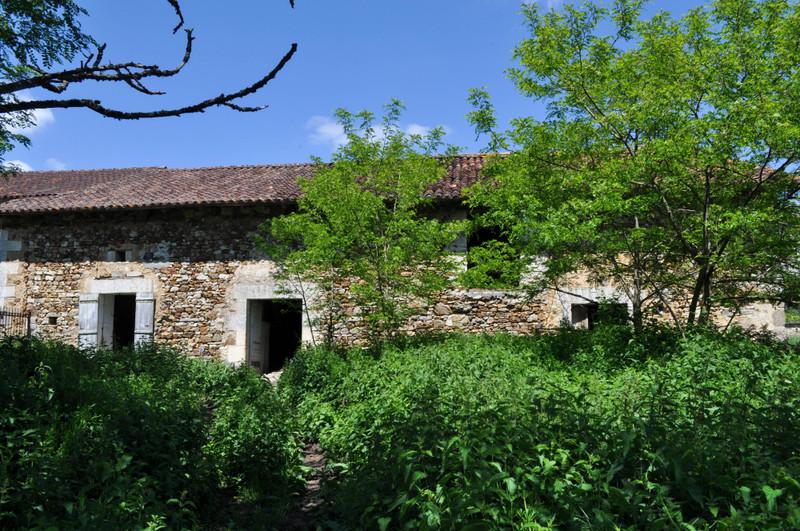 French property for sale in Milhac-de-Nontron, Dordogne - €51,500 - photo 2