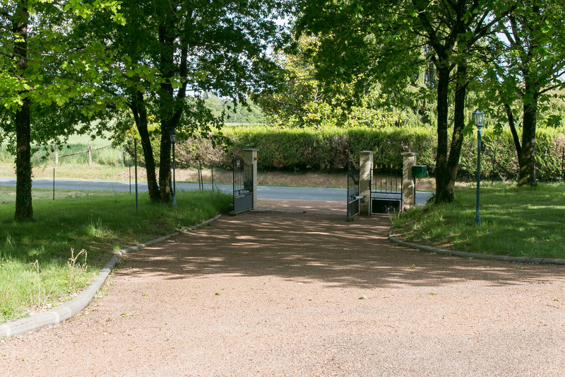 French property for sale in Saint-Saud-Lacoussière, Dordogne - €370,000 - photo 10