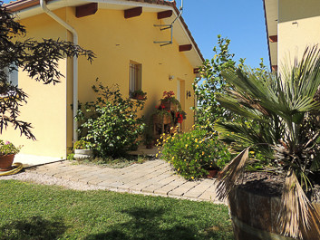 French property for sale in Riscle, Gers - €275,000 - photo 2