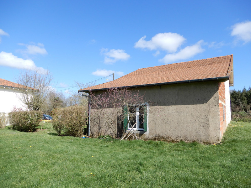French property for sale in Pressignac, Charente - €186,300 - photo 3