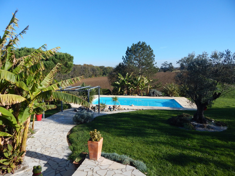 French property for sale in Tonneins, Lot et Garonne - €397,500 - photo 3
