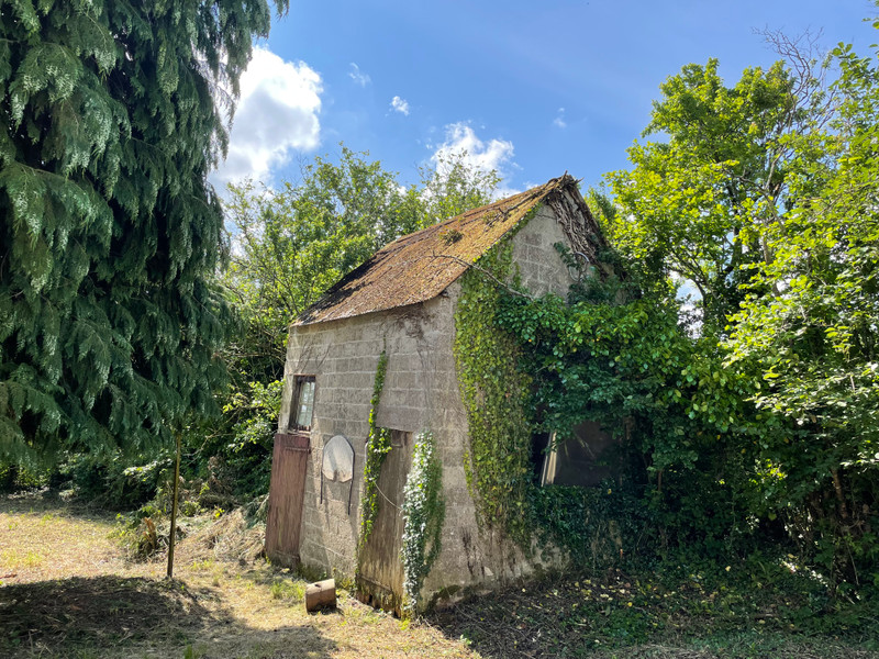 French property for sale in Saint-Gilles-Pligeaux, Côtes-d'Armor - €68,600 - photo 4