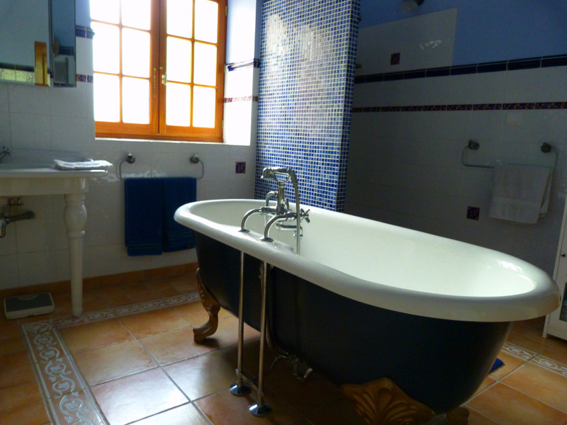French property for sale in Vanzac, Charente-Maritime - €348,740 - photo 6