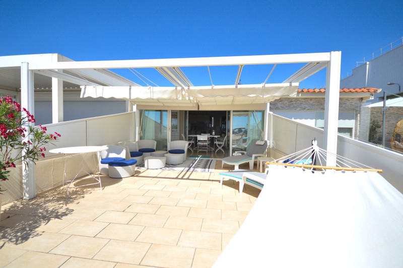 French property for sale in Cannes, Alpes-Maritimes - €455,000 - photo 2