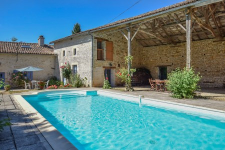 French property for sale in Brux, Vienne - €249,999 - photo 2