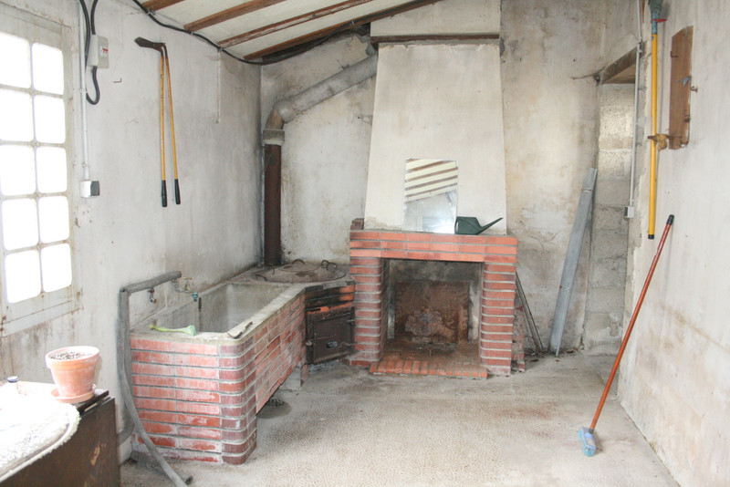 French property for sale in Fontaine-Chalendray, Charente-Maritime - €93,500 - photo 8