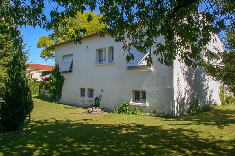French property for sale in Saint-Julien-de-l'Escap, Charente-Maritime - €154,780 - photo 5