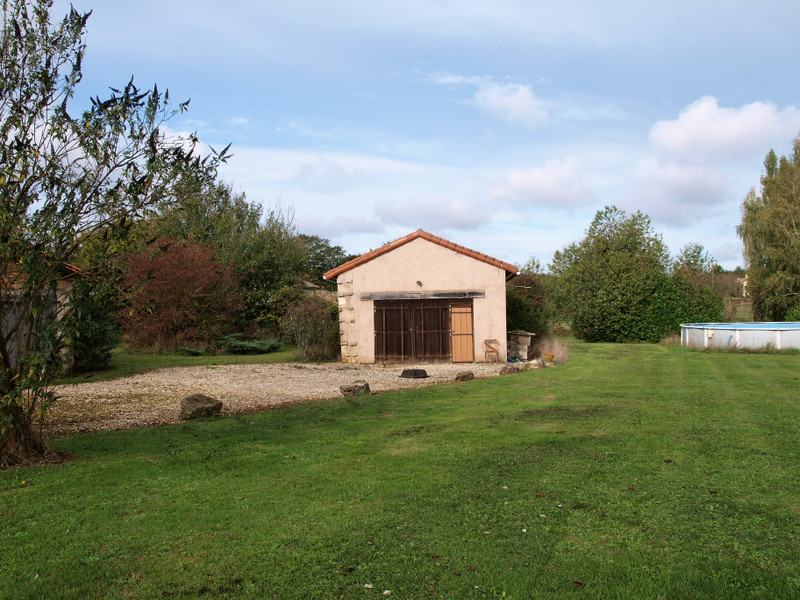 French property for sale in Mairé-Levescault, Deux Sevres - €136,250 - photo 3