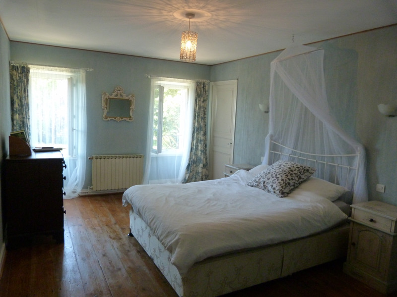 French property for sale in Bois, Charente-Maritime - €499,000 - photo 9
