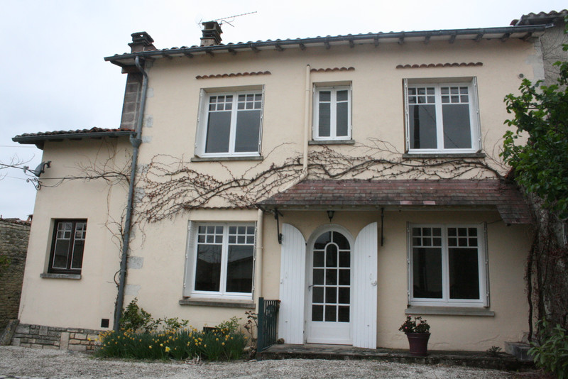 French property for sale in Fontaine-Chalendray, Charente-Maritime - €93,500 - photo 10