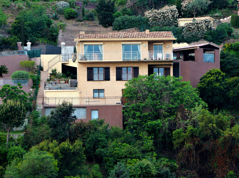 French property for sale in Théoule-sur-Mer, Alpes Maritimes - €695,000 - photo 3