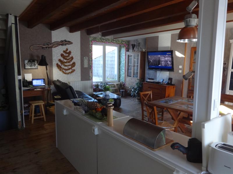 French property for sale in Saint-Bonnet-de-Condat, Cantal - €286,200 - photo 4