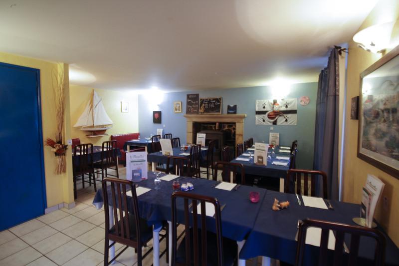 French property for sale in Langoëlan, Morbihan - €147,150 - photo 2