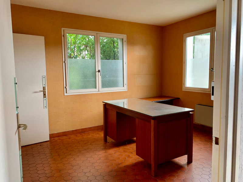 French property for sale in Échiré, Deux Sevres - €267,500 - photo 3