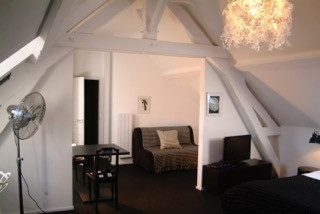 French property for sale in Saint-Honoré-les-Bains, Nièvre - €549,000 - photo 2