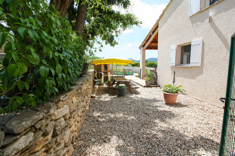 French property for sale in Entrechaux, Vaucluse - €399,000 - photo 4