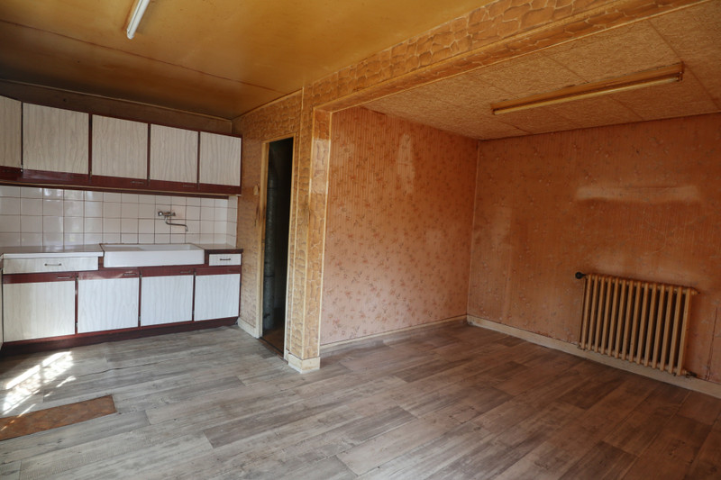 French property for sale in Saint-Cyr-du-Bailleul, Manche - €23,600 - photo 3