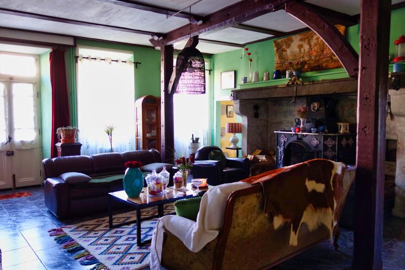 French property for sale in Saint-Bonnet-le-Chastel, Puy de Dome - €278,200 - photo 3