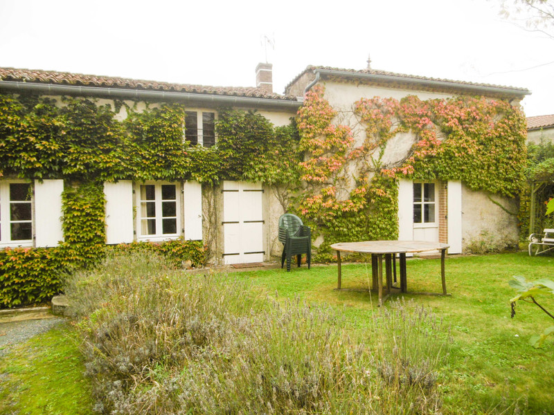 French property for sale in Bourneau, Vendée - €577,700 - photo 9
