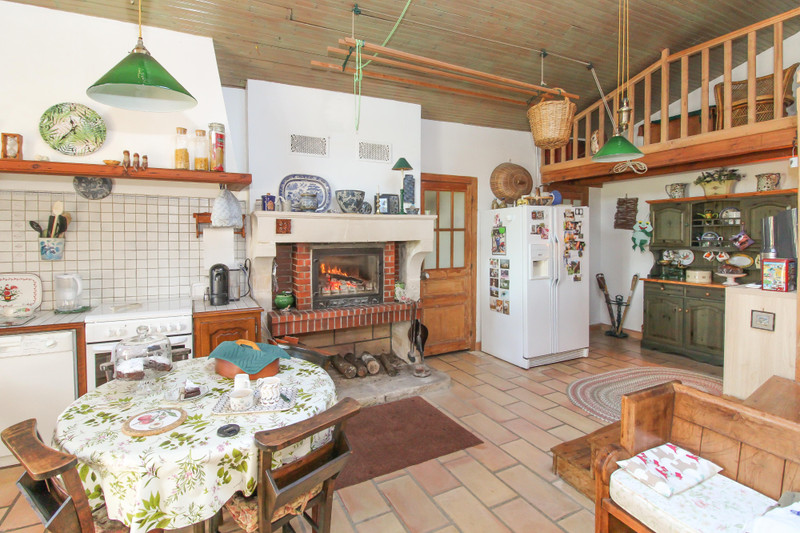 French property for sale in Marigny, Deux Sevres - €203,200 - photo 2
