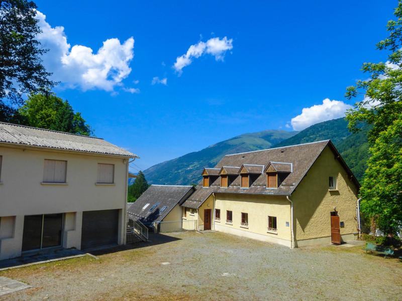 French property for sale in Bagnères-de-Luchon, Haute Garonne - €689,000 - photo 9