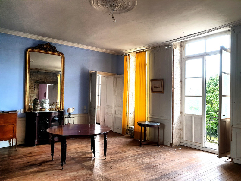 French property for sale in Fontenay-le-Comte, Vendee - €214,000 - photo 5