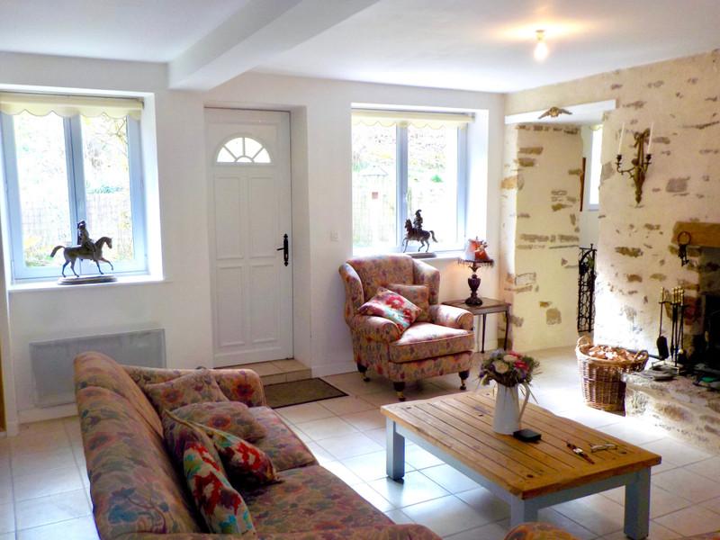 French property for sale in Saint-Gravé, Morbihan - €84,000 - photo 5