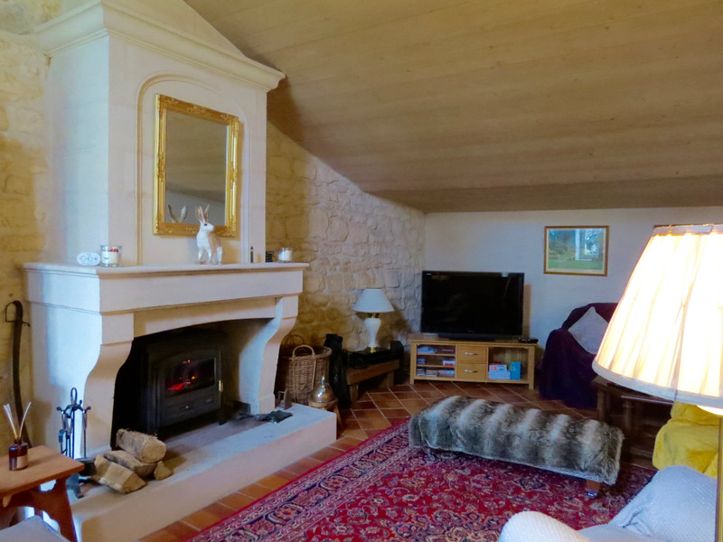 French property for sale in Crazannes, Charente-Maritime - €299,600 - photo 3