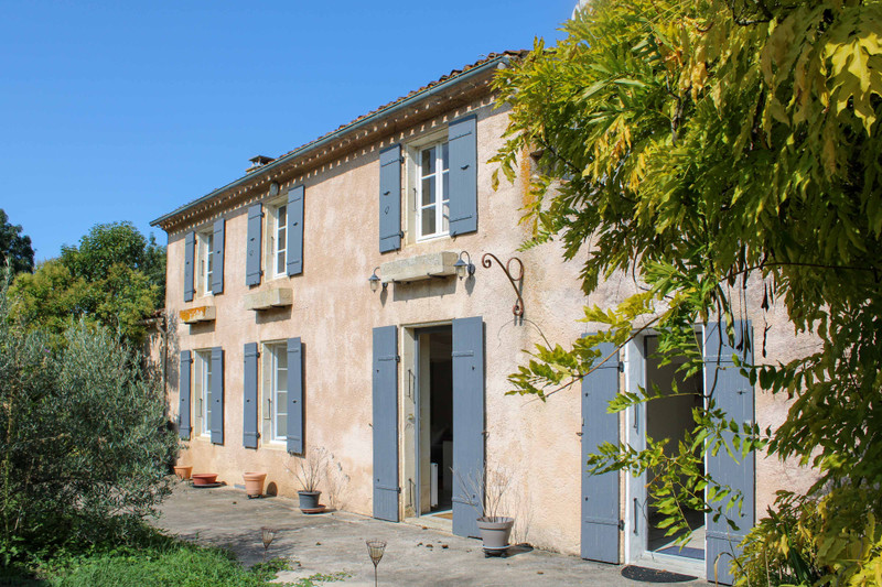 French property for sale in Bignay, Charente-Maritime - €328,600 - photo 1