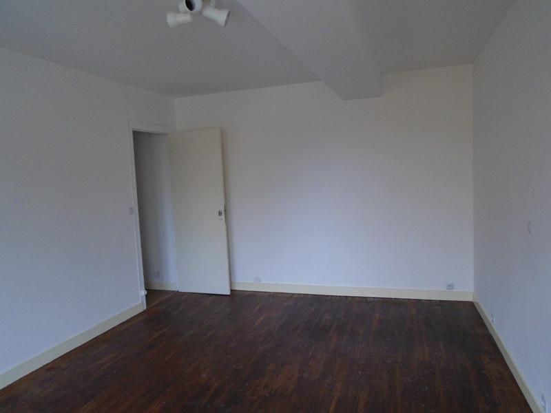 French property for sale in La Chapelle-Bâton, Vienne - €77,000 - photo 9