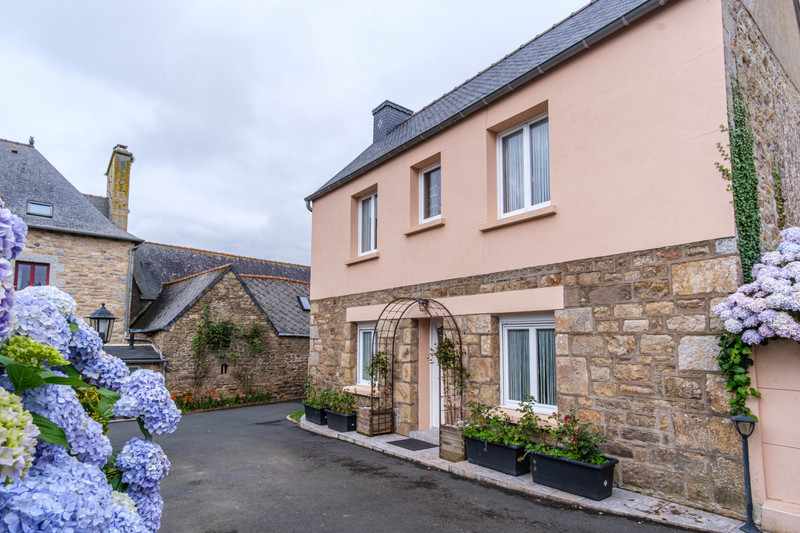 French property for sale in Louargat, Côtes-d'Armor - €699,600 - photo 5